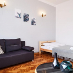 BEAUTIFUL OLD SCHOOL 2 Bedroom Apartment in the CITY CENTER - PK, UEK - 5 MIN!! - DISCOUNT